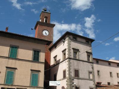 Palazzo Nerucci, visto dal Corso di Castel del Piano