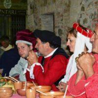 cena-medievale contignano