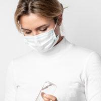 donna mascherina ospedale