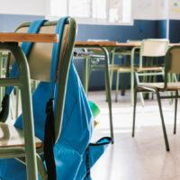 scuola sedie banchi